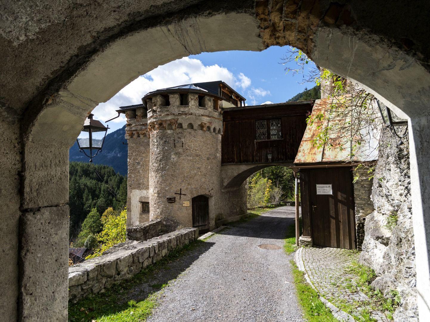 Schloss-Fernstein-1.jpg