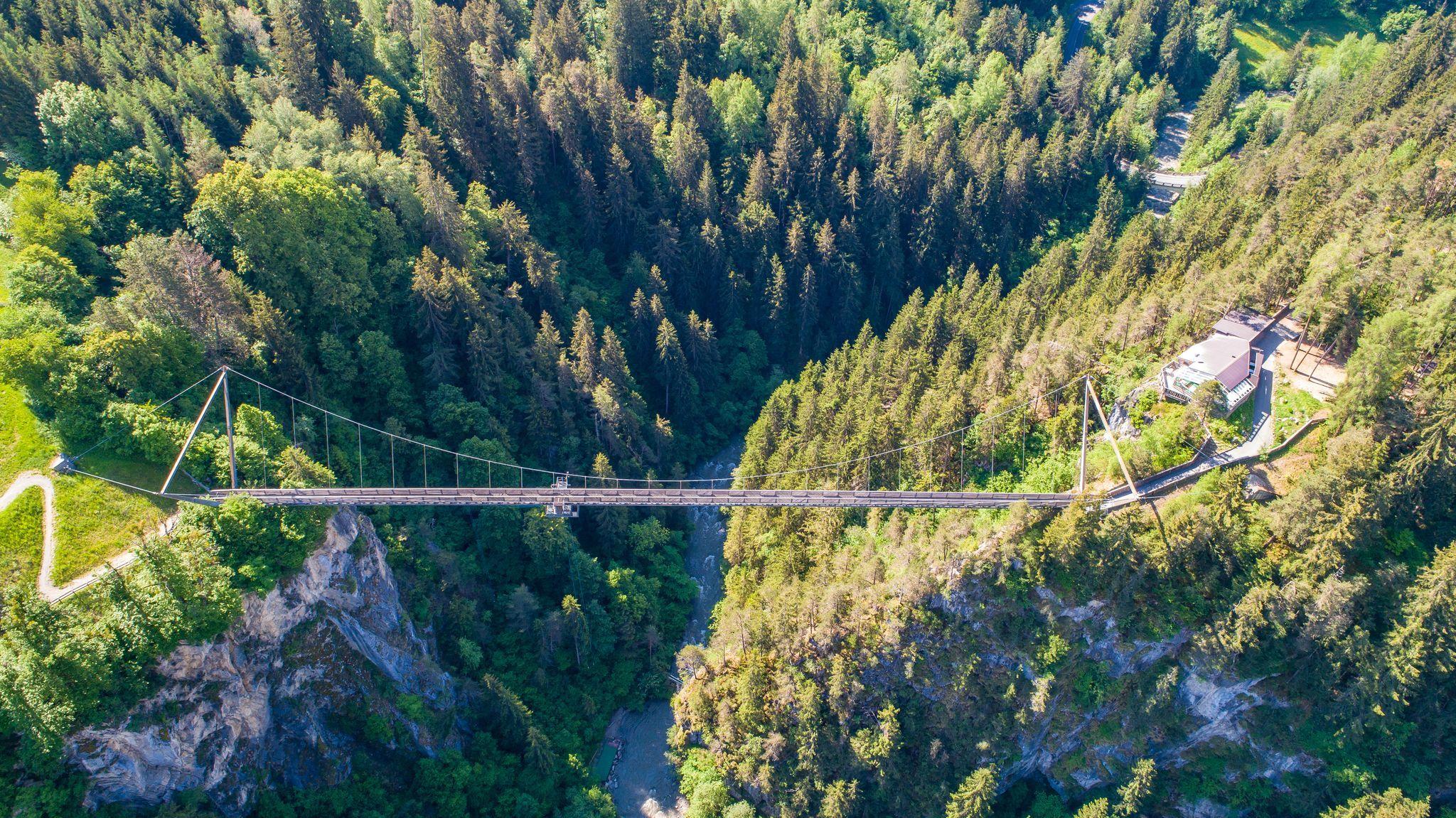 Bungy Jumping an der Benni Raich-Brücke