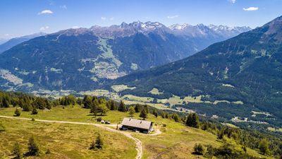 Circular route  Taschen     Galflun Alm     Larcher Alm         Gstoanig Kapelle     chapel      Taschen