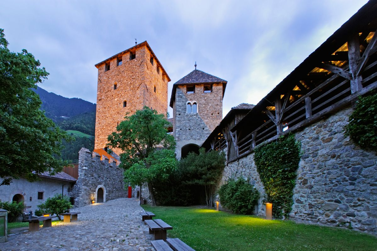 Schloss Tirol (I)