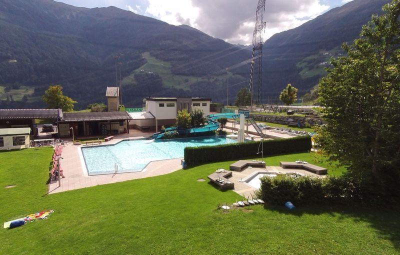 Swimming Pool Flow