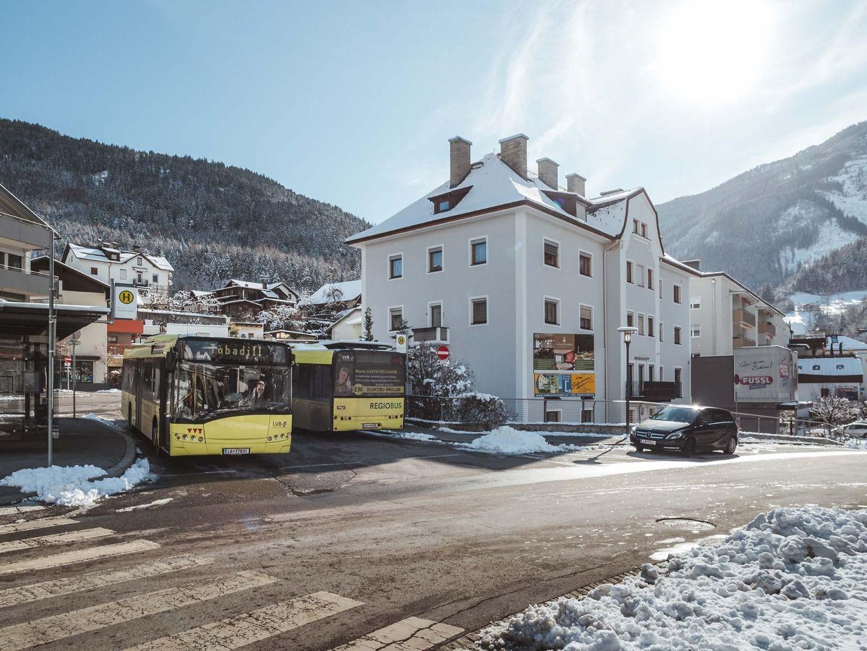 Öffentliche Busse im Winter