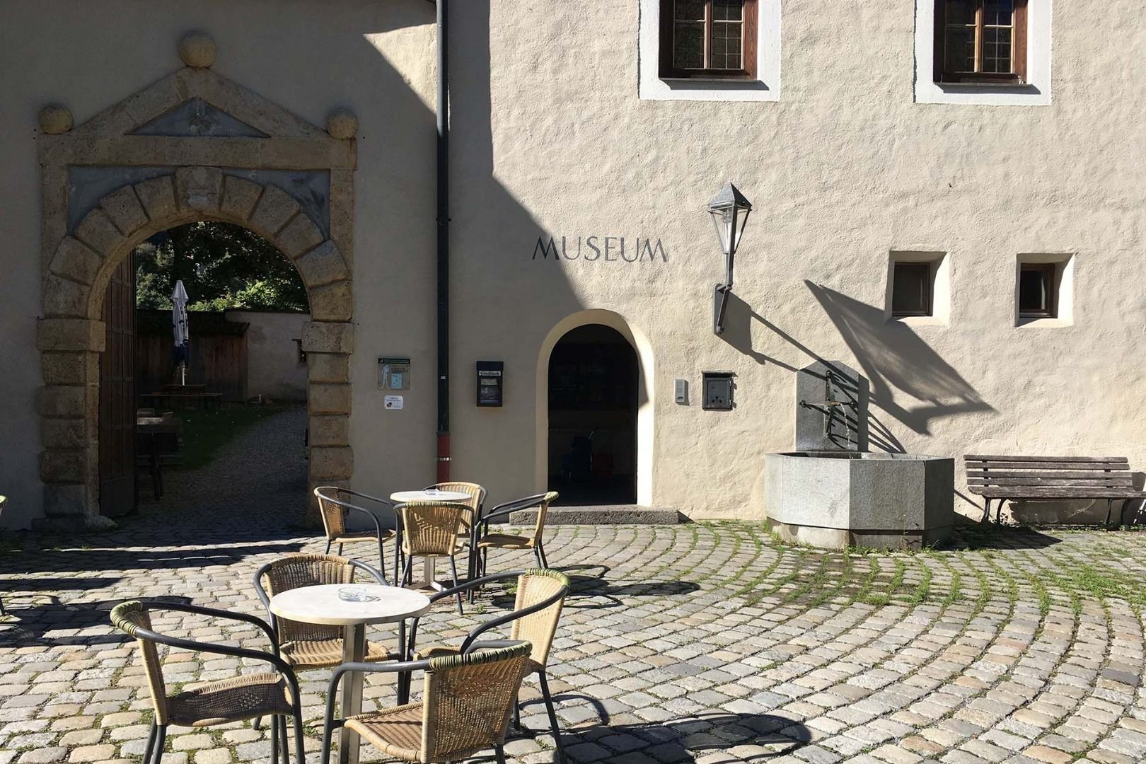 Schlossbrunnen Castle Landeck