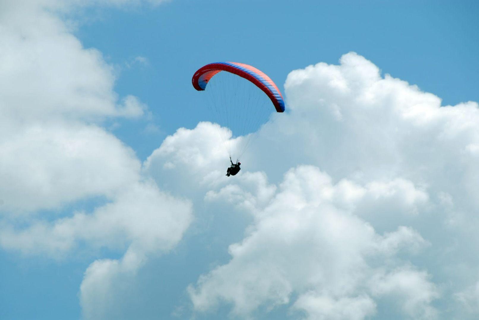Paragliding - hang gliding