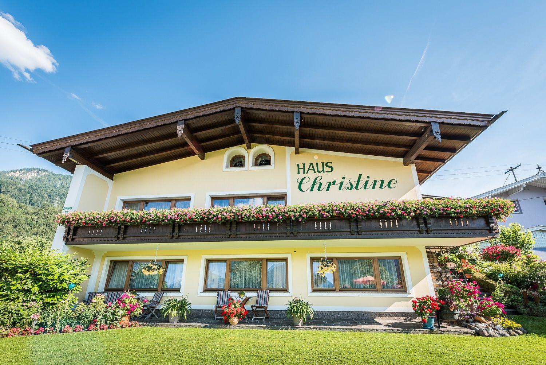 Haus Christine, Buch in Tirol