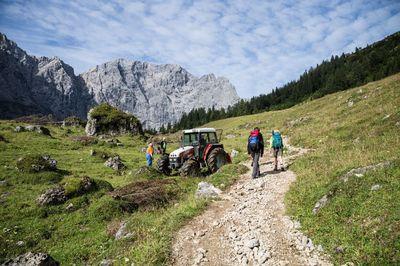 Eagle Walk Stage 09: Lamsenjoch Hut - Falken Hut 2