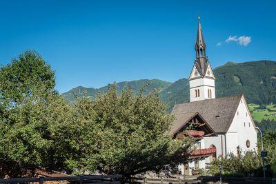 Pfarrkirche Hl. Peter und Paul  Vomp 1