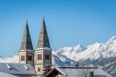 Parish church Weerberg in winter