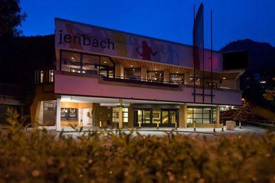 vz.jenbach bei Nacht