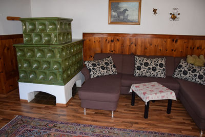 Haus Dudler Couch.JPG