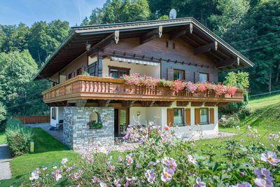 Haus zum Wasserfall 1