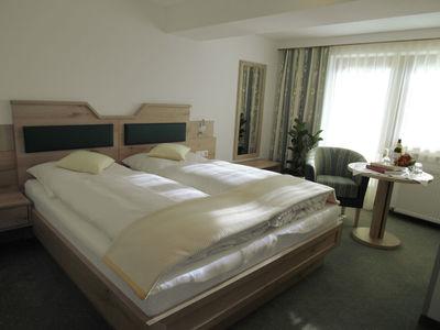 Hotel Garni Regina Schlafzimmer.JPG