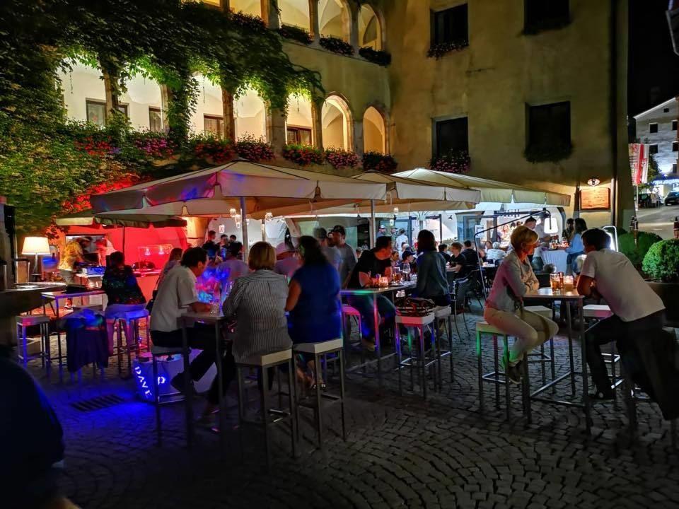 Squaze - food, drinks, culture