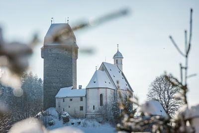Burg Freundsberg im Winter