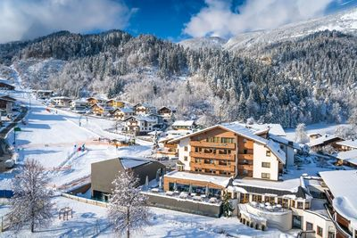 Hotel Schwarzbrunn in winter